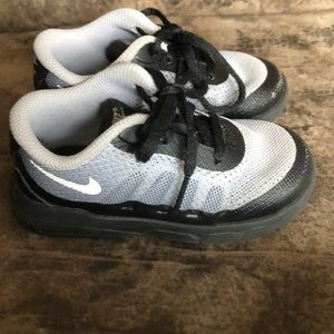 Toddler boy Nike sneakers